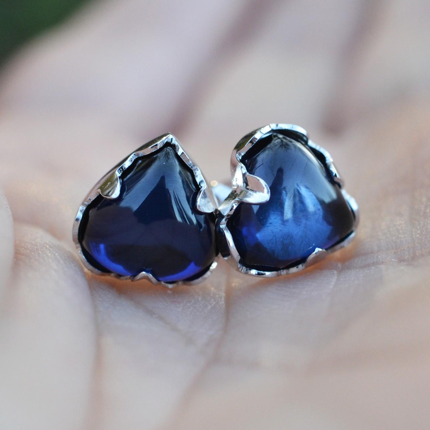 Safírově modré náušnice